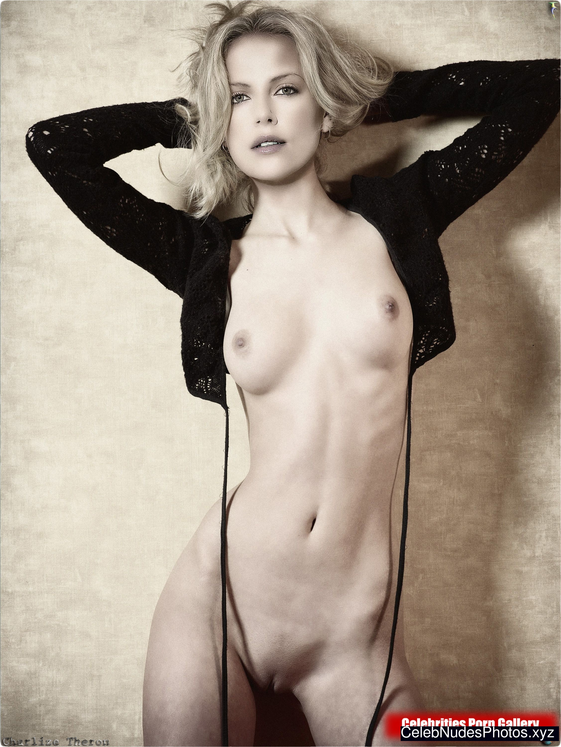 Nackt Charlize Theron  Charlize Theron